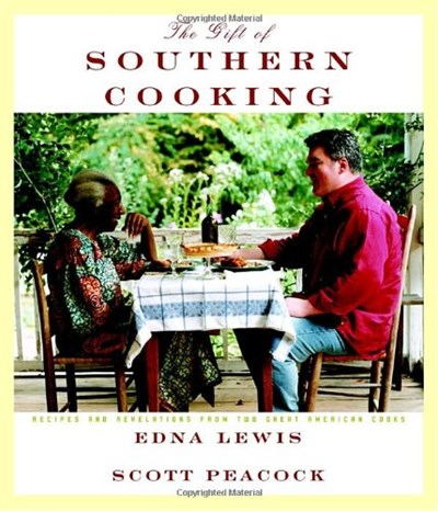The Gift of Southern Cooking: Recipes and Revelations from Two Great Southern Cooks
